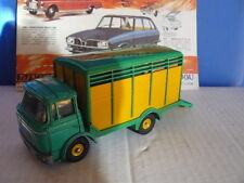 DINKY TOYS  ANCIEN  CAMION BERLIET GAK BETAILLIERE  référence 577