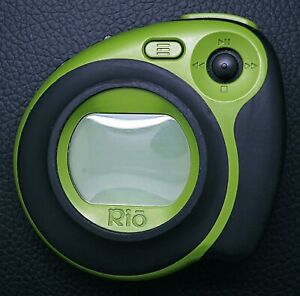 MINTY Rio Cali Sport Green ( 256 MB ) Digital Media Player with EXTRAS