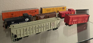 HO Scale Train Box Cars. Caboose Lot of 7. For Parts Or Repair