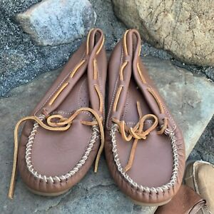 New Minnetonka Loafers 613 Brown Leather 9.5M ECU Boho Retro Classic