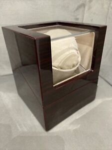 Battery Operated Chiyoda Watch Winder Display Case