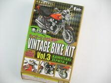 1/24 Kawasaki  ZEPHYR X 1998 G3A Type  Motorbike  F-Toys Gashapon Motorcycle Kit