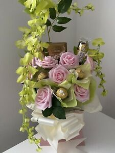 CHOCOLATE FERRERO ROCHER LINDT ROSE FLOWER BOUQUET GIFT ANNIVERSARY BIRTHDAY