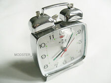 #824 Silver New 70s Classic Retro Design Mechanical Windup Metal Alarm Clock