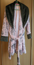 Betsey Johnson robe size M modern design very soft