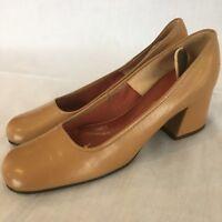 College Debs Vintage Dressy Pump SZ 6 N High Heel Shoe Beige Cream Tan Slip On