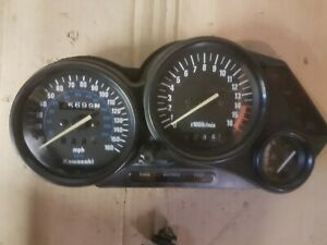 1991 Kawasaki ZZR600D ZZR 600 >>> clocks speedometer > damaged / repairable