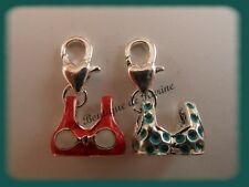 LOT 2 CHARMS BRELOQUE A FERMOIR METAL ARGENTE MAILLOTS BLEU / ROUGE - BIJOUX AE4