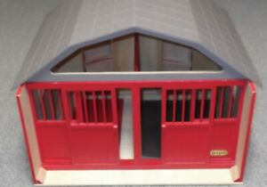 BREYER Wooden Red HORSE Barn w/REMOVABLE ROOF MOVEABLE LOFT EXCELLENT CONDITION!