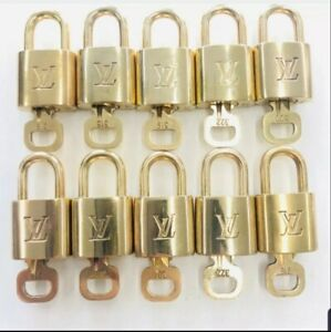 100% Auth Louis Vuitton 1 Lock and 1 Key Excellent