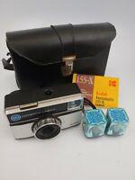 VINTAGE 1970s KODAK INSTAMATIC 155-X 126 CAMERA W/CASE AND FLASH