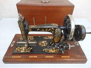 prunkvolle dekorative Antik Handkurbel Nähmaschine  mit Holz Koffer