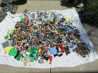 30 + LBS Bulk LEGO Lot of Bricks Parts Plates Star Wars + Minifigures