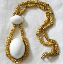 VINTAGE 70'S MODERNIST NUGGET WHITE LUCITE RUNWAY 1970s NECKLACE