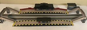 HORNBY DUBLO ISLAND TRAIN STATION ALL METAL HO / OO SCALE RARE