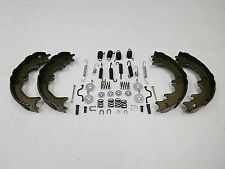LANDCRUISER 80 SERIES REAR HAND BRAKE SHOES PLUS SPRING & CLIP SET AUG.1992 ON