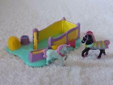 1995 L G T I Micro Machine Horse Coral & 2 Horse