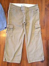 Women's Size 10 Magellan Khaki Cargo Capris Cropped Pants