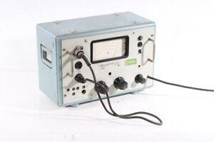 Röhrenvoltmeter Universal Typ 187a RFT