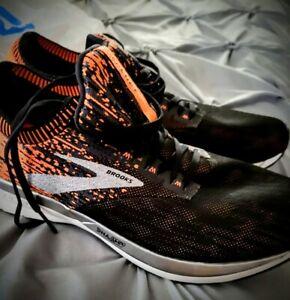 Brooks Ricochet Black / Orange Men's Running Shoes Size 13, Worn only 3 times!