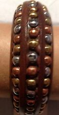 ONE LUDIA BROWN WOOD & DECORATIVE BRASS STONES BANGLE BRACELET NWT