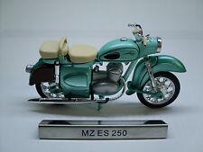MZ ES 250 VERDE MOTO CICLOMOTORE DDR del veicolo Modello 1:24, Atlas rivista modello