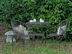 HAMPTONS Classical patio garden  1 table 2 armchairs QUALITY NEW 42kg
