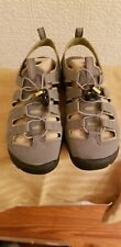 Keen Sandals Womans Cascade  Close Toed Brown 7M US Great Support and Comfy