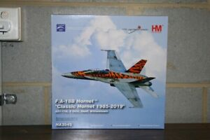"Hobby Master RAAF 1:72 F/A-18B Hornet A21-116 ""2OCU Tiger"" (HA3545) Model Plane"