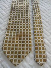 Sergio Alvajee Men's Vintage Silk Tie in a Gold and White Embossed Pattern