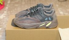Adidas Yeezy 700 Boost Mauve Size 10.5 US Men Style NIB   EE9614  NEVER WORN