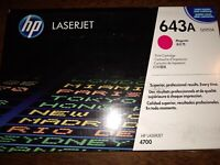 New damaged box  HP 643A  Q5953A Magenta Original LaserJet Toner Cartridge 9/18
