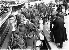 Photo. WW1. Sydney, Australia. Line of Soldiers Boarding Ship