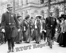 Photograph of Suffragette Ladies Leaving City Hall in New York Year 1908c 8x10