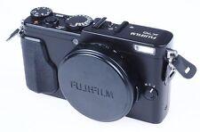 Fujifilm X70 X 70 Gehäuse Body Ausstellung Fujifilm-Fachhändler * 2331