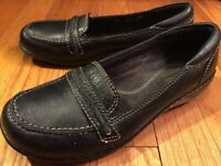 Comfort Shoes CLARKS Women's 6M Black Leather Slip On Wedge Heel Casual