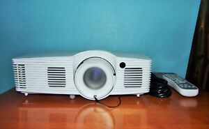 Optoma HD39DARBEE DLP Projector Near Mint Condition Amazing Image !