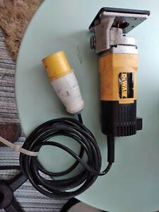 Dewalt Dw670-xw 600w Good Used Condition