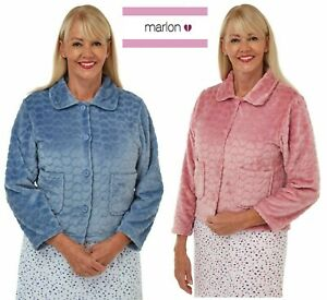 LADIES EMBOSSED  BUTTON THROUGH FLEECE BED JACKET 8 TO 26 DEMIN OR ROSE MA229414