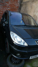 peugeot 1007  2007 42,000 miles breaking for parts or sell complete
