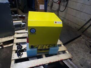 NEW ZEKS 10NCDA100 COMPRESSED AIR DRYER 115 VAC SINGLE PHASE