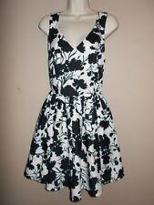 ELLE Womens Size 8 Black & White Floral Sun Dress Cross Back Design Full Skirt