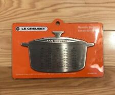 Le Creuset Measure Magnet 6-1/2 by 3-3/4in,