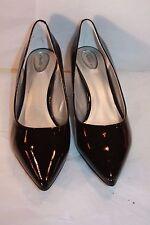 Trotters Paulina  Black patent kitten heels  women's size 12 w