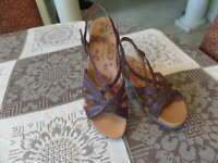 Bare Traps Jacee Brown Leather Strappy Sandals Size 8.5M