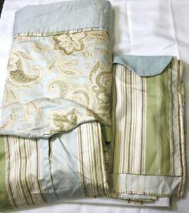 PRETTY 3 PIECE MARISSA NICOLE BABY NURSERY PLEATED BLUE GREEN BLANKET SKIRT BAG