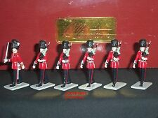 BRITAINS 41096 GRENADIER GUARDS OFFICER + MARCHING METAL TOY SOLDIER FIGURE SET