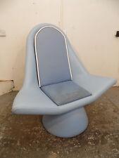 large,oversize,arm chair,blue,faux leather,shop,restaurant,pub,retail,catering