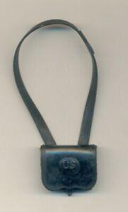 VINTAGE MARX JOHNNY WEST CAVALRY BLACK POWDER BOX  AND STRAP EXCELLENT