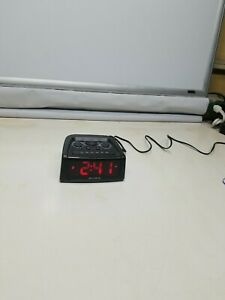 AcuRite Big and Loud Electric IntelliTime Alarm Clock 13019